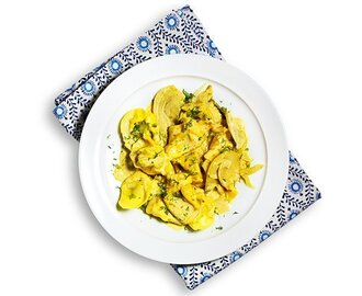 Tortellini an Fenchel-Curry-Sauce