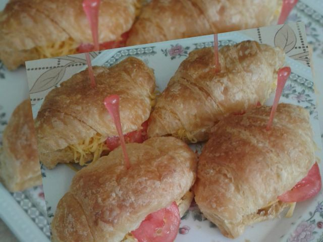 Breakfast crossiants