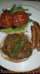 CHARLTON'S BURGER WITH MUSHROOM SAUCE