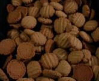 SONIA'S PEANUT BUTTER COOKIES