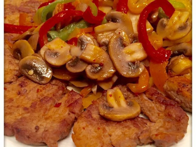 Pan Seared Steak with mixed peppers and mushroom stir fry