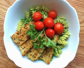 Creamy Avocado Spinach Pasta with Spicy Tempeh
