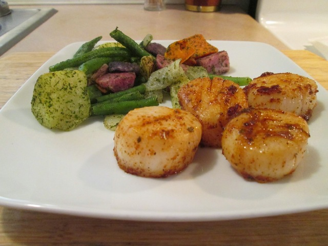 Cast Iron Skillet Blackened Sea Scallops w/ Four Color Potato Medley, Green Beans & Sugar Snap Peas