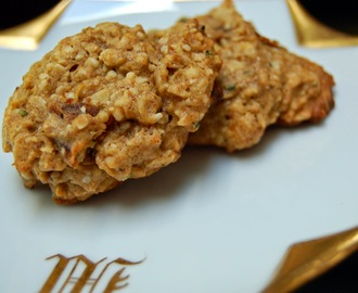 Oatmeal, Date and Hemp Heart Cookies