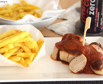 Curry-Wurst mit Pommes frites
