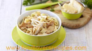 PASTA PARMIGIANO WITH CHICKEN AND ITALIAN HERBS