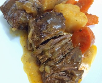 Slow Cooked Beef Stew (Slow Cooked Beef Caldereta)