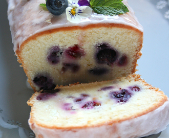 LOAF CAKE YOGURT MIRTILLI E GLASSA MERINGATA