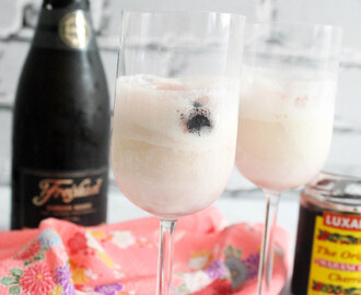 Champagne Ice Cream Floats