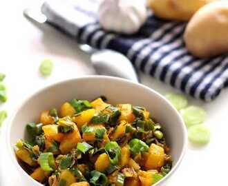 Potato Spring Onion Curry Recipe (Aloo Hara Pyaz Sabzi)