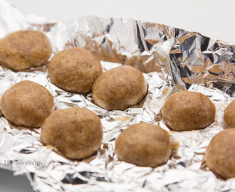 Gingerbread Protein Bliss Balls