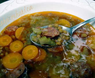Jednostavna juha s lećom i kobasicom :: Simple soup with lentils and sausage