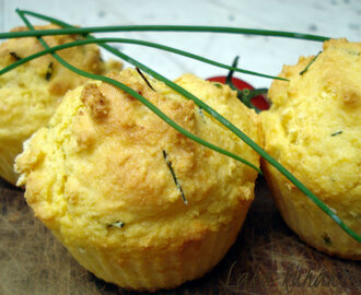 Projice s vlascem :: Corn and chives muffins