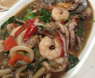 Seafood with Thai Basil