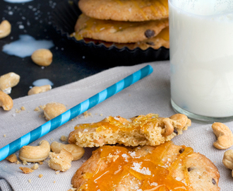 Cashew Cookies With Salted Caramel