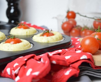 Leckerschmecker: pikante Tomaten Muffins / Tomato Muffins with Herbs