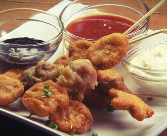 Nuggets on Stick with Dips