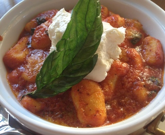 Gnocchi with Tomato Sauce and Ricotta Cheese