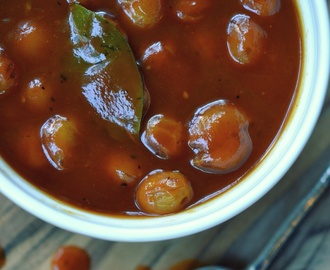 Sweet and Sour BBQ Sauce with Grapes