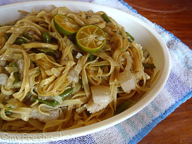 Simple Pancit Miki Guisado