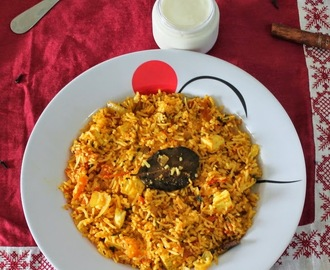 spicy paneer tomato fried rice/Easy paneer fried rice with tomato/Left over rice recipes/Easy vegetarian rice recipes/one pot meals/lunch box recipes/step by step pictures/Pan