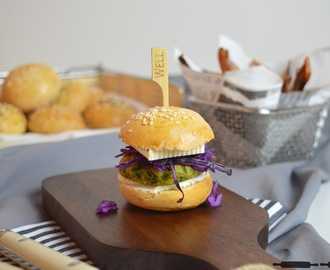 Mini Burger Buns mit Falafel Patties / Mini Burgers with vegan Falafel Patties