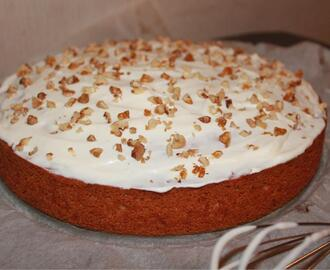 Carrot Cake met crème fraiche topping