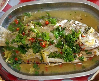 Thai Steamed Fish With Garlic And Lime Juice