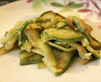 Ricette di zucchine saporite mytaste for Cucinare zucchine in padella