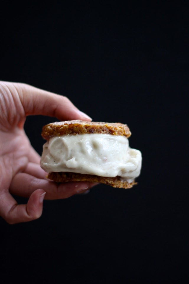 PEANUT BUTTER COOKIE + BANANA ICE CREAM SANDWICHES