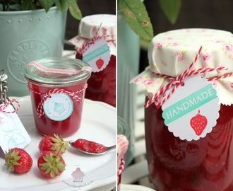 STRAWBERRY-PROSECCO JAM