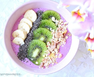 Smoothie Bowl - Mango & Beeren