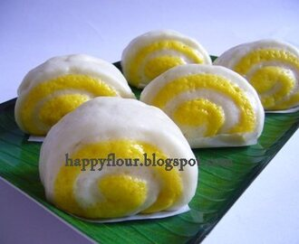 Pumpkin Two Tone Steamed Buns