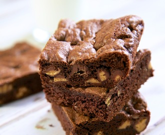 Cake Mix Peanut Butter Cup Brownies