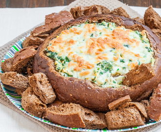 Spinach Artichoke Dip in Bread Bowl