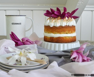 Zitronentorte mit Mandeln und Baiserhaube / Lemon Cake with Almonds and Meringue