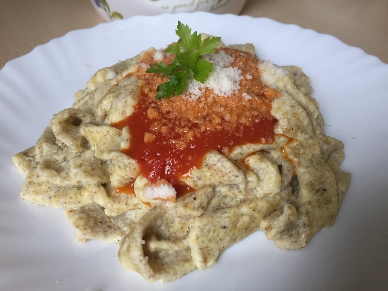 Low Carb Nudeln mit Tomatensauce