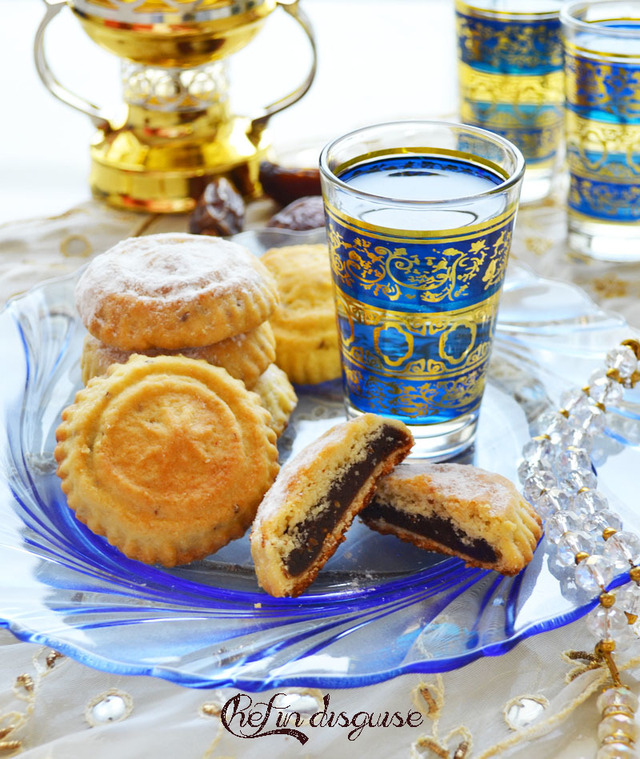 Maamoul (date stuffed cookies)