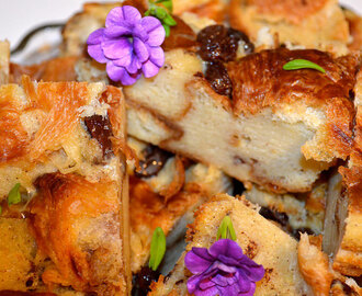 BREAD PUDDING WITH RAISINS – BUDIN DE PAN CON PASAS