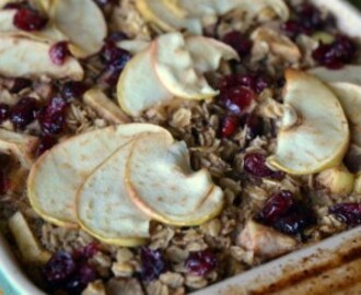Spiced Apple & Pear Baked Oatmeal