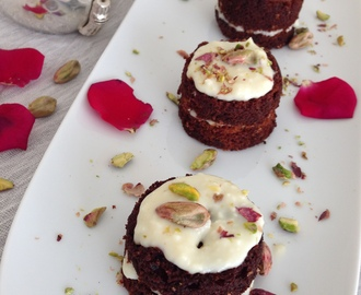 Ramadan Treats:Sticky Date Mini Cakes with Rabri