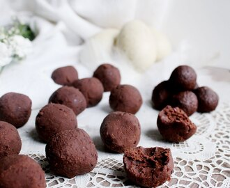 Easter treats // Vegan Raw Chocolate Bean Balls