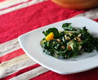 Kale Salad with Apples, Hazelnuts and Acorn Squash