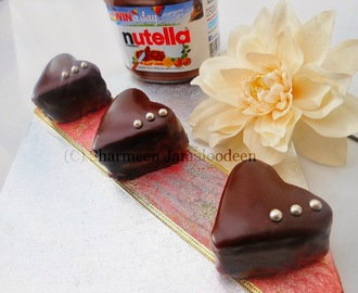 Mini Heart Shaped Vanilla Cake with Nutella Ganache