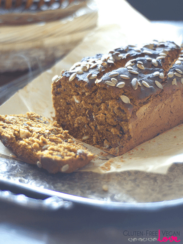 Vegan and Gluten-Free Pumpkin Bread {Refined Sugar-Free}