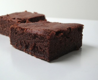 Mascarpone-Brownies mit Amaranth