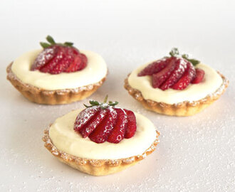 White Chocolate Mousse tartlets