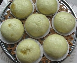 Wasabi Steamed Bun With Salted Egg Yolk Custard