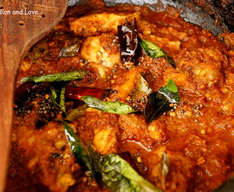 Naadan Kozhi Curry/Kerala Chicken Curry