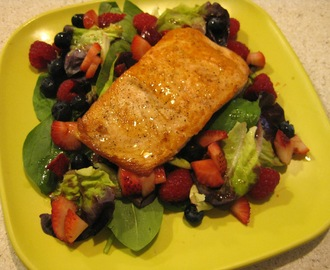 Summer Berry and Salmon Salad